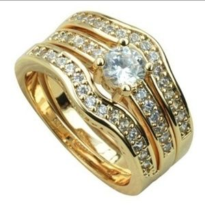 Pretty Gold 3 Piece Wedding Ring 2 CT Stone Size 7